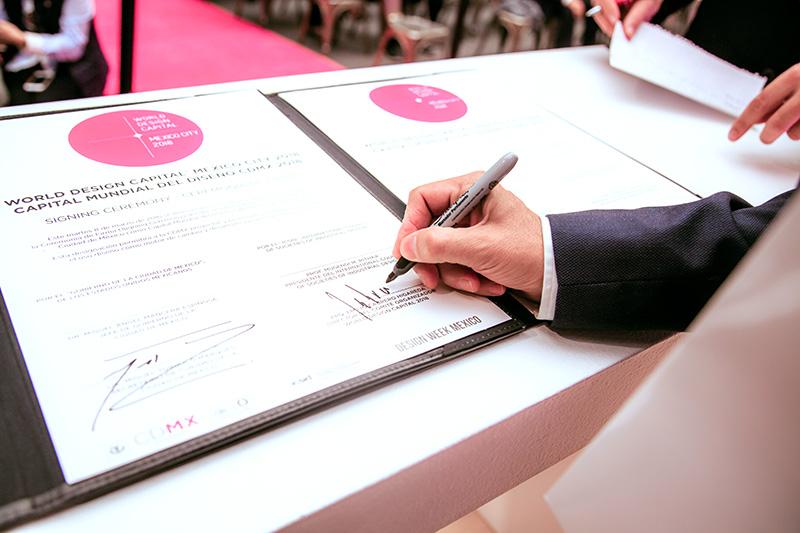 WDC2018_SigningCeremony